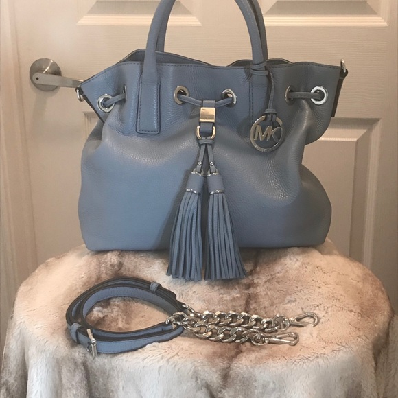 62deb8b462ca NWOT- Michael Kors Light Blue Leather Handbag, Med.  M_5bd9df17035cf178033f9d4c